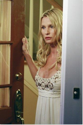 Nicollette Sheridan nell'episodio 'We're So Happy, You're So Happy' della serie tv Desperate Housewives
