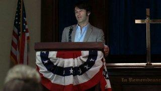Stephen Moyer in una scena dell'episodio Sparks Fly Out della serie tv True Blood
