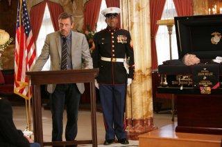 Hugh Laurie nell'episodio 'Birthmarks' della serie Dr House: Medical Division