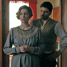 Ana Caterina Morariu e Lorenzo Flaherty in una scena de Il mistero del lago