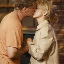 Doug Savant con Felicity Huffman in una sequenza di Desperate Housewives, episodio There's Always a Woman