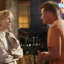 Doug Savant con Felicity Huffman (Tom e Lynette Scavo) in una sequenza di Desperate Housewives, episodio There's Always a Woman