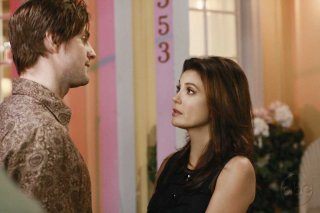 Gale Harold con Teri Hatcher nell'episodio 'Mirror, Mirror' della serie televisiva Desperate Housewives