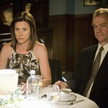 Jayne Brook insieme a Michael O'Keefe nell'episodio ' You get what you need' della serie tv Brothers & Sisters