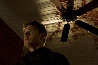 Jensen Ackles in una scena del film My Bloody Valentine 3D