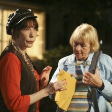 Kathryn Joosten in una scena di Desperate Housewives, episodio There's Always a Woman