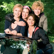 Margherita Buy, Cecilia Dazzi, Elena Sofia Ricci e Luisa Ranieri in un'immagine promozionale del serial Amiche Mie