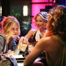 Mary-Kate Olsen e Christina Applegate durante una scena dell'episodio 'Help' della serie Samantha Chi?