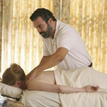 Ricardo Chavira in una scena dell'episodio There's Always a Woman, della serie Desperate Housewives