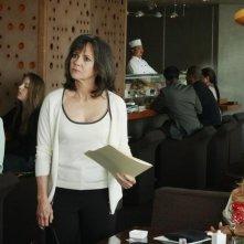 Sally Field e Patricia Wettig in un momento dell'episodio 'You get what you need' della serie Brothers & Sisters