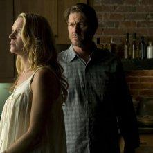 Uma Thurman e Brett Cullen in una scena del thriller Davanti agli occhi