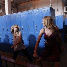 Yvonne Strahovski e Nicole Richie nell'episodio 'Chuck Versus the Cougars' della serie tv Chuck