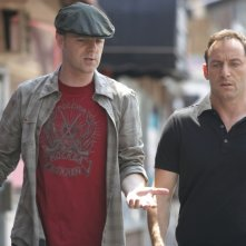 Brian F. O'Byrne e Jason Isaac nel primo episodio della terza stagione di Brotherhood