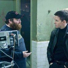 Il regista John Moore e Mark Wahlberg sul set del film Max Payne