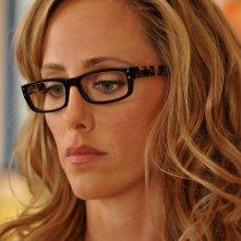 Kim Raver nell'episodio 'Chapter Nine: Help!' della serie tv Lipstick Jungle