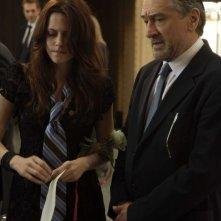 Kristen Stewart e Robert De Niro in una scena del film What Just Happened?