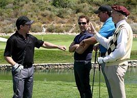 Paul Ben-Victor, Jeremy Piven, Phil Mickelson e Martin Landau in una scena dell'episodio 'Redomption' della quinta stagione di Entourage