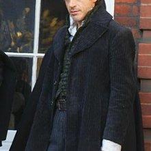 Robert Downey jr. sul set del film Sherlock Holmes