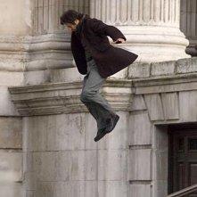 Robert Downey jr. sul set del film Sherlock Holmes, dureante le riprese di una scena d'azione