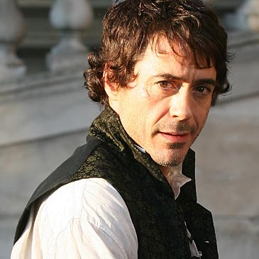 Robert Downey jr. sul set di Sherlock Holmes, diretto da Guy Ritchie