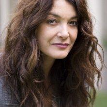 Un'immagine promo di Marina Suma, protagonista di Laura, uno degli episodi di Donne Assassine