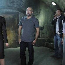 Julie Benz, Carlo Rota, Greg Bryk e Meagan Good in una scena del film Saw V