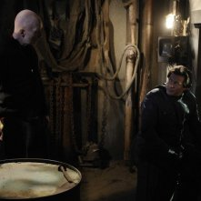 Tobin Bell e Costas Mandylor in un'immagine del film Saw V