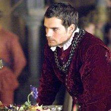 L'attore Henry Cavill nella seconda stagione della serie televisiva I Tudors - Scandali a corte
