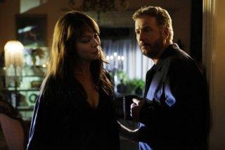 Melinda Clarke e William Petersen in una scena dell'episodio 'Leave out all the rest' della serie CSI Las Vegas