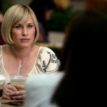 Patricia Arquette in una scena della serie tv Medium