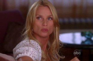 Nicollette Sheridan nell'episodio 'Back in Business' della serie Desperate Housewives