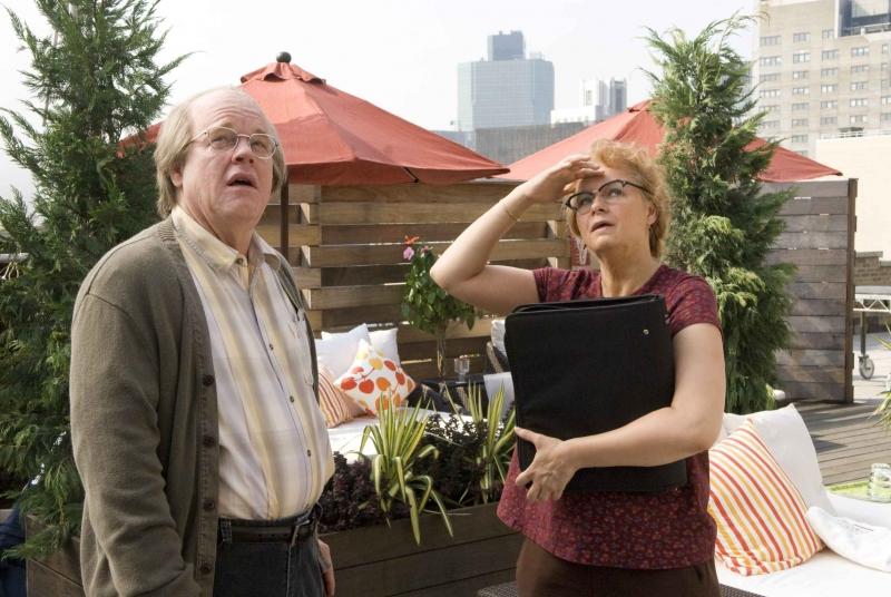Philip Seymour Hoffman e Samantha Morton in un'immagine del film Synecdcoche, New York