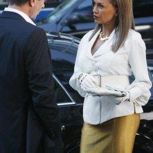 Vanessa Williams e, di spalle, Grant Bowler nell'episodio 'Ugly Berry' della terza stagione di Ugly Betty
