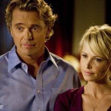 Josie Bissett e John Schneider in un'immagine de La vita segreta di una teenager americana (prima stagione)
