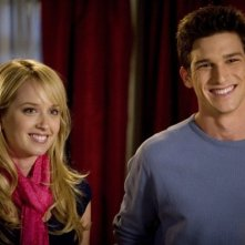 Megan Park con Daren Kagasoff in un'immagine de La vita segreta di una teenager americana (prima stagione)