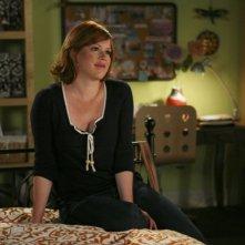 Molly Ringwald in un'immagine de La vita segreta di una teenager americana (prima stagione)
