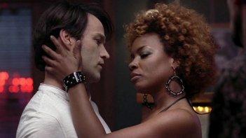 Stephen Moyer in una scena dell'episodio Burning House of Love della serie tv True Blood