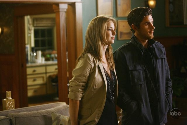 Emily Vancamp E Dave Annable In Un Momento Dell Episodio Going Once Going Twice Della Serie Tv Brothers Sisters 93866