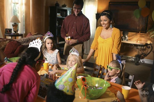 Eva Longoria In Una Scena Dell Episodio What More Do I Need Del Serial Desperate Housewives 94102