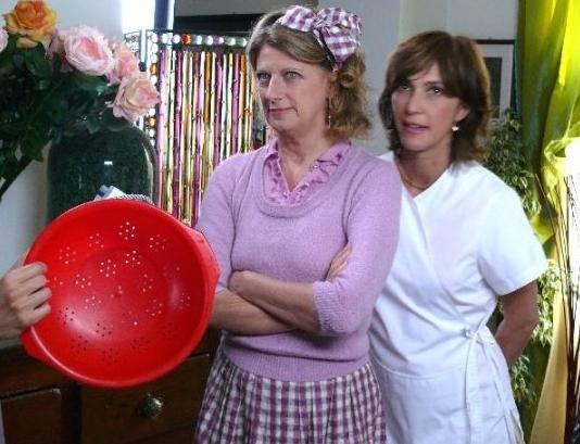 Maria Amelia Monti Con Angela Finocchiaro In Una Scena Del Film Tv Finalmente A Casa 94135