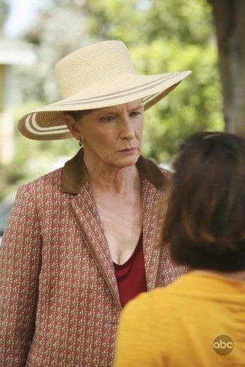 Una scena dell'episodio What More Do I Need? della serie Desperate Housewives