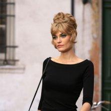 Claudia Zanella in una scena del film Amore che vieni, amore che vai