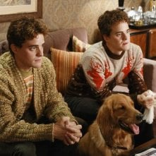 Alex Miller con il fratello gemello Graham Miller nell'episodio 'Oh Oh Oh It's Magic' della serie tv Pushing Daisies