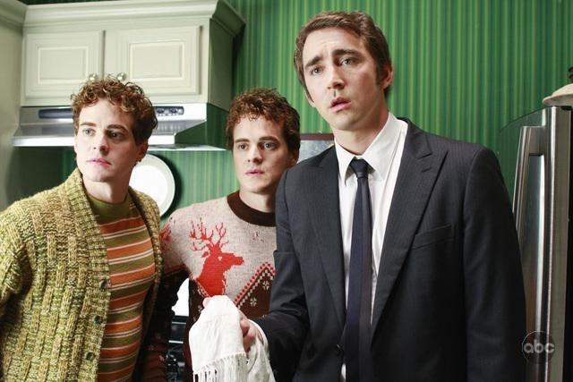 Alex Miller Graham Miller Insieme A Lee Pace Nell Episodio Oh Oh Oh It S Magic Della Serie Tv Pushing Daisies 94290