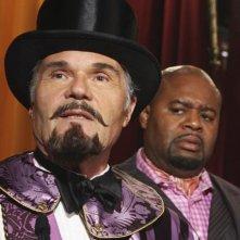 Fred Willard e Chi McBride nell'episodio 'Oh Oh Oh It's Magic' della serie tv Pushing Daisies
