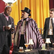 Fred Willard insieme a Chi McBride e Lee Pace nell'episodio 'Oh Oh Oh It's Magic' della serie tv Pushing Daisies