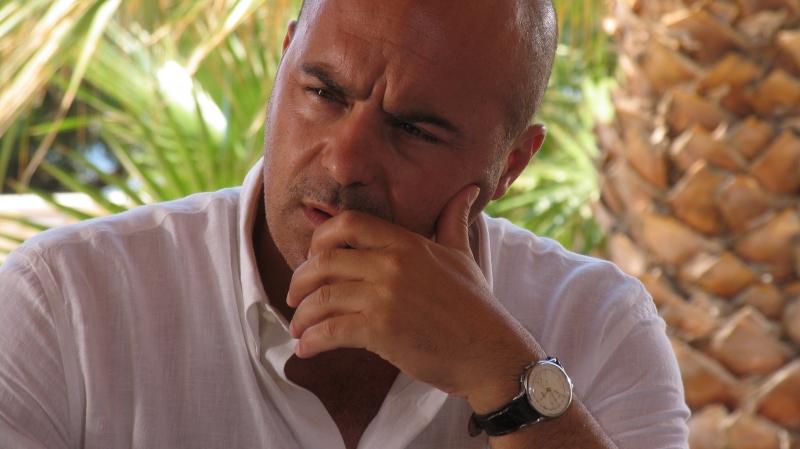 Luca Zingaretti E Il Commissario Montalbano Nell Episodio Vampa D Agosto 94304