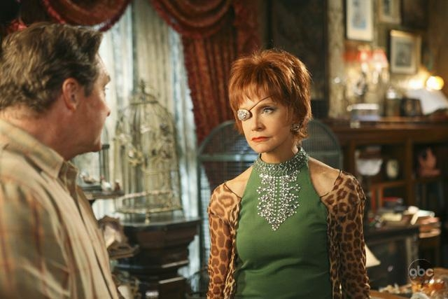 Swoosie Kurtz Con Stephen Root Nell Episodio Oh Oh Oh It S Magic Della Serie Tv Pushing Daisies 94284