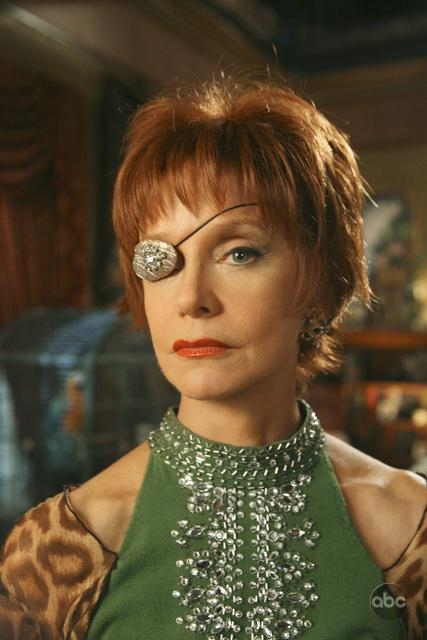 Swoosie Kurtz In Una Sequenza Dell Episodio Oh Oh Oh It S Magic Della Serie Tv Pushing Daisies 94287