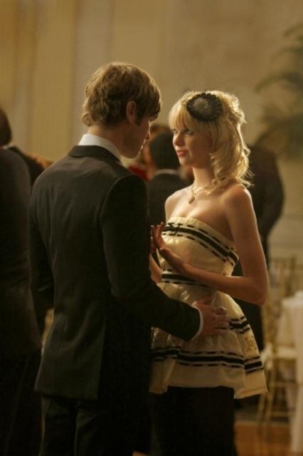Taylor Momsen Insieme A Chace Crawford Durante Una Scena Dell Episodio There Might Be Blood Della Serie Tv Gossip Girl 94399